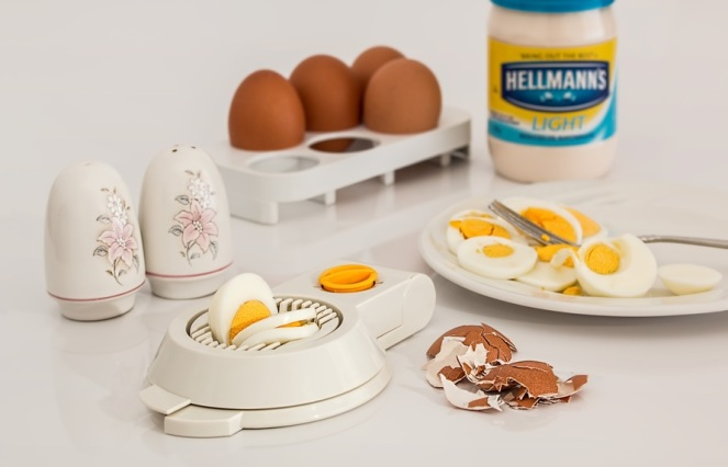 egg-slicer-egg-hard-boiled-shell-38597-large.jpeg